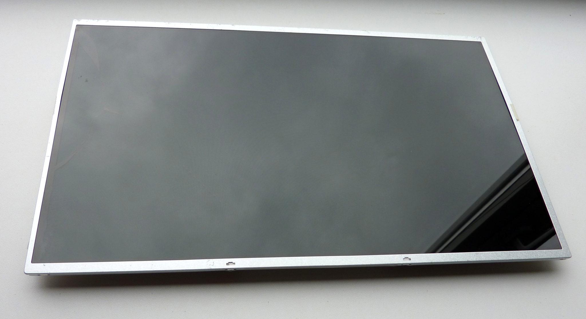 Værksted-Udskiftning af defekt skærm