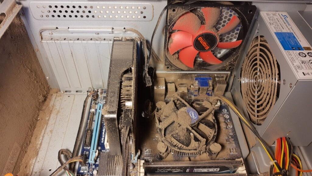 Støv i computer 1024x576 - Værksted
